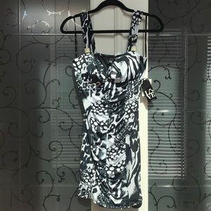 NWT- LOVE- blk &wht body-con animal print dress
